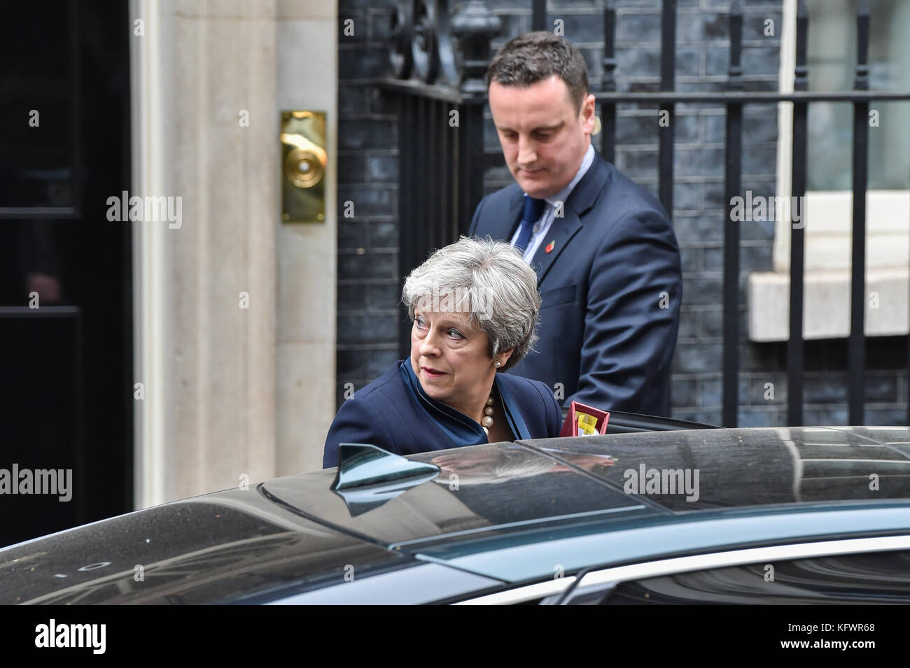 London, United Kingdom. 01st Nov, 2017. UK Prime Minister Theresa May leaves 10 Downing Street bound for the House Stock Photo