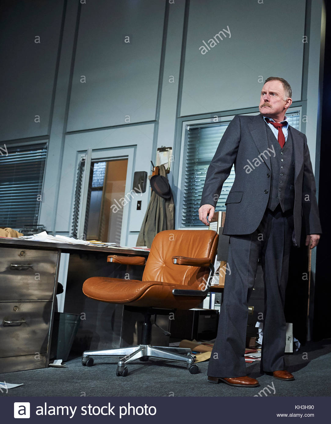Glengarry Glen Ross by David Mamet, directed by Sam Yates. With Robert Glenister as Dave Moss. Opens at The Playhouse - Stock Image