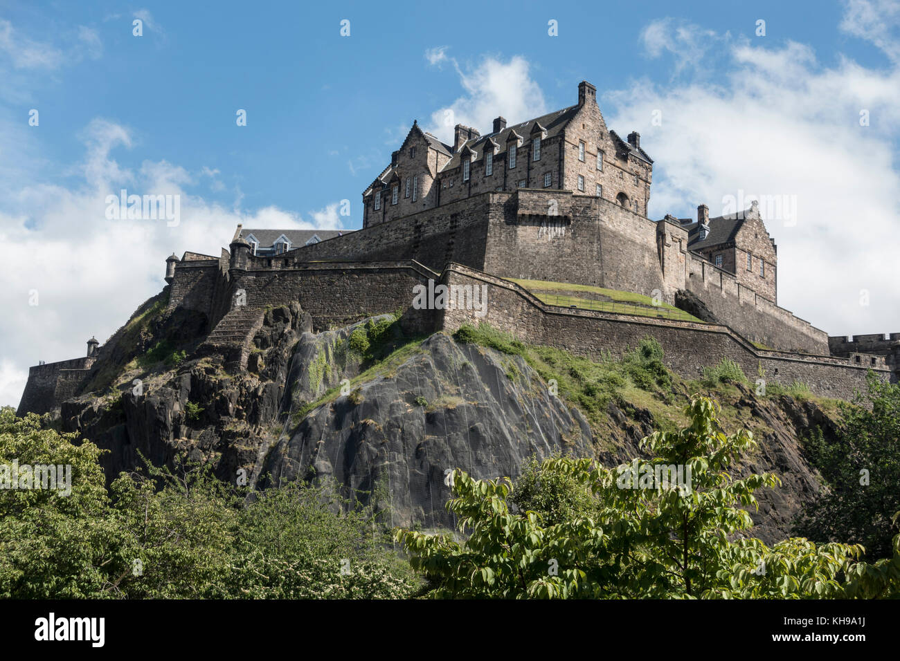 Edinburgh Castle A Fortress High On Castle Rock Edinburgh Scotland Seen From West Princes Street Gardens Stock Photo