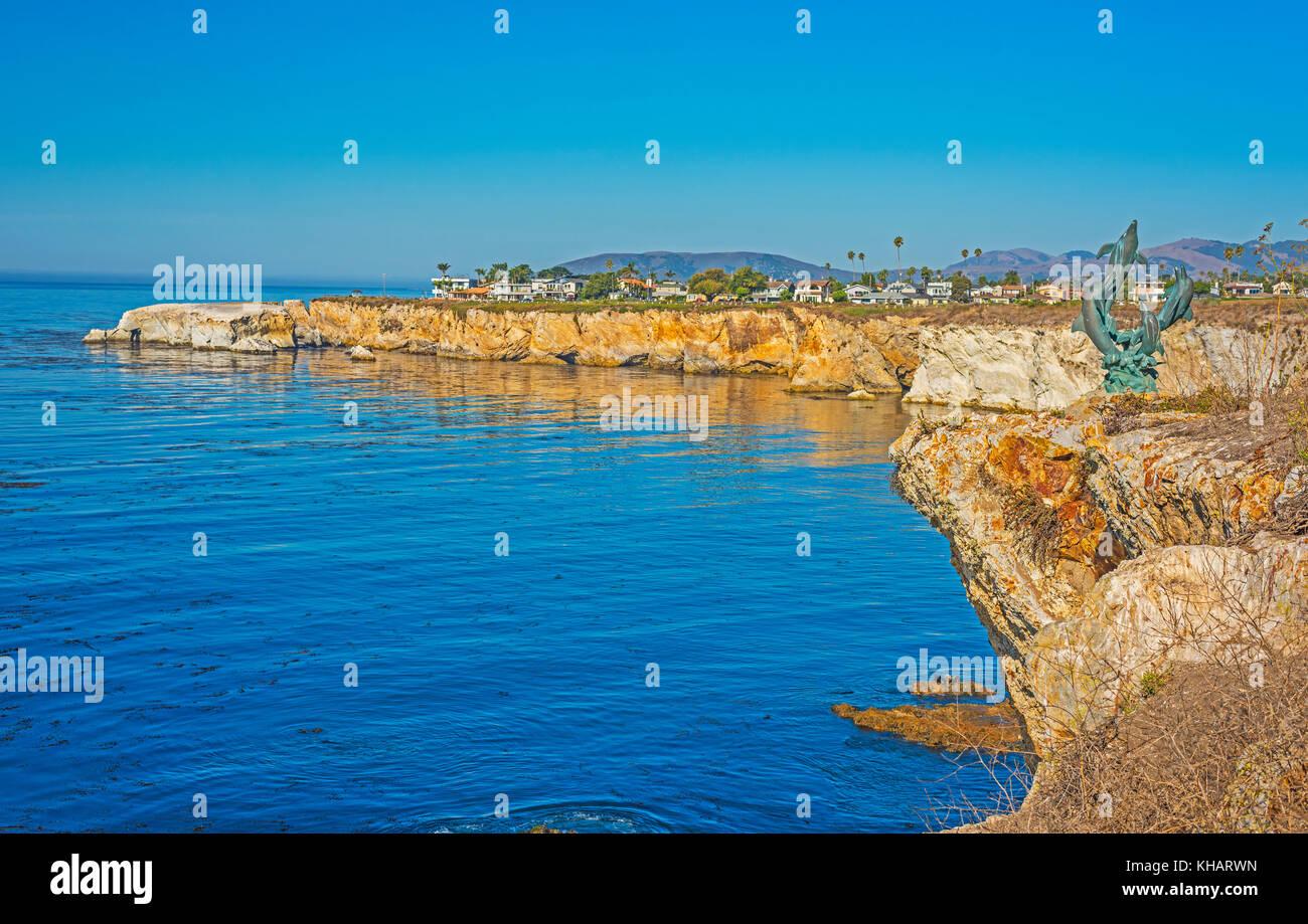Stock Photo Cliffs along Ocean In Pismo Beach California