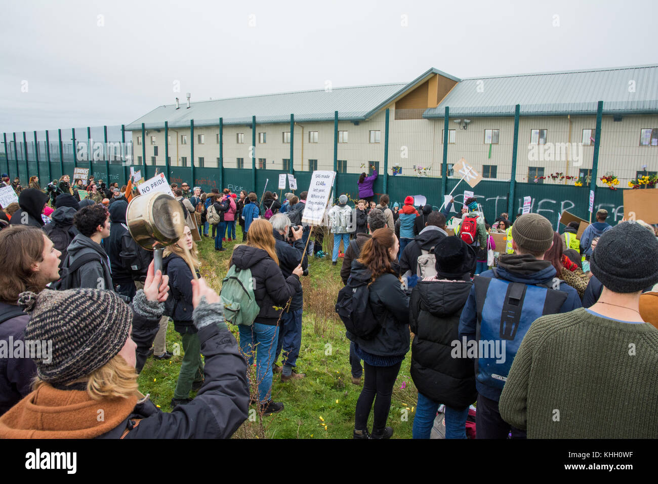 Milton Ernest, Bedford, UK. Saturday 18th November 2017.  Around 1000 protesters attended a Shut Down Yarl's Wood Stock Photo