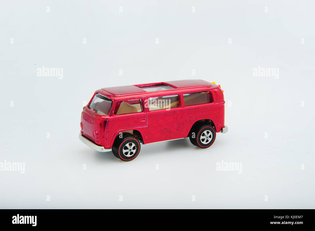 toys-classic-vintage-hot-wheels-cars-made-by-mattel-usa-miniature-KJ0EM7.jpg