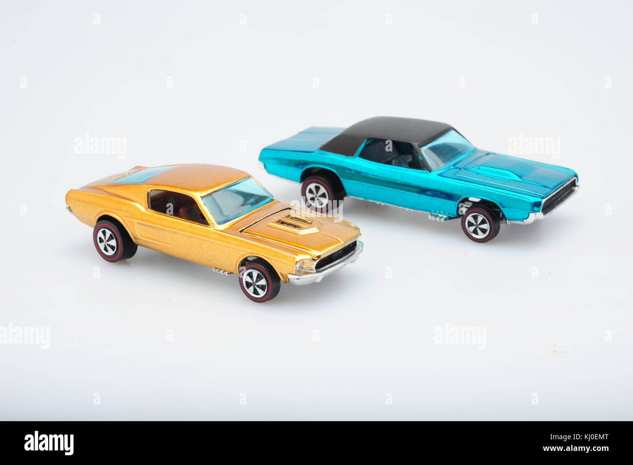toys-classic-vintage-hot-wheels-cars-made-by-mattel-usa-miniature-KJ0EMT.jpg