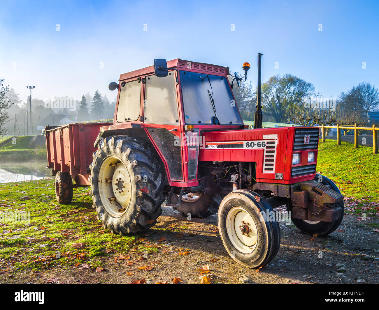 1996 Fiat 80-66 agricultural tractor - France. - Stock Image