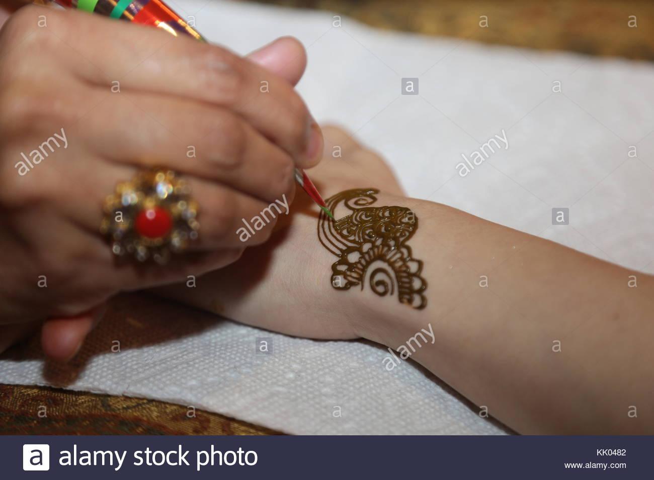 Mehndi Hand Patterns Diwali : Hand mehndi stock photos images alamy