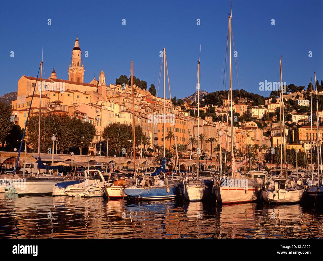 Menton marina, Côte d'Azur, Alpes Maritimes, French Riviera, France - Stock Image