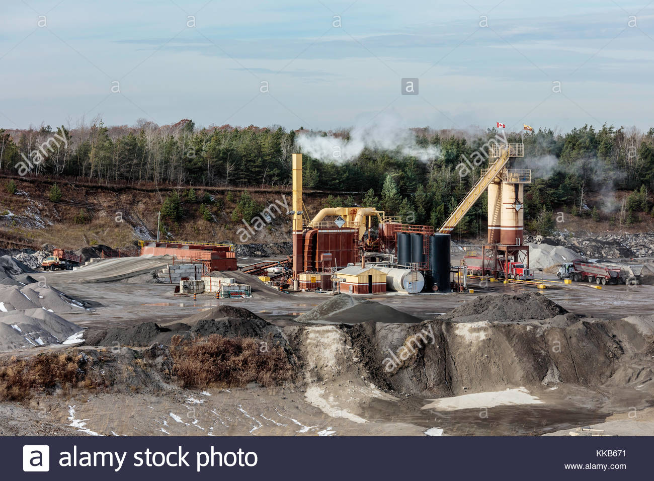 asphalt-mixing-plant-on-the-oak-ridges-m