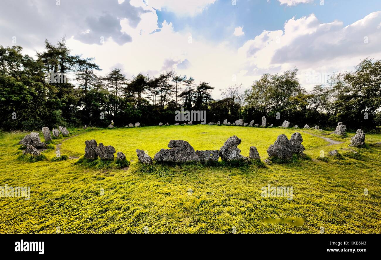 The late Neolithic prehistoric stone circle The Kings Men. Part of the Rollright Stones, Oxfordshire, England. 3000+ - Stock Image
