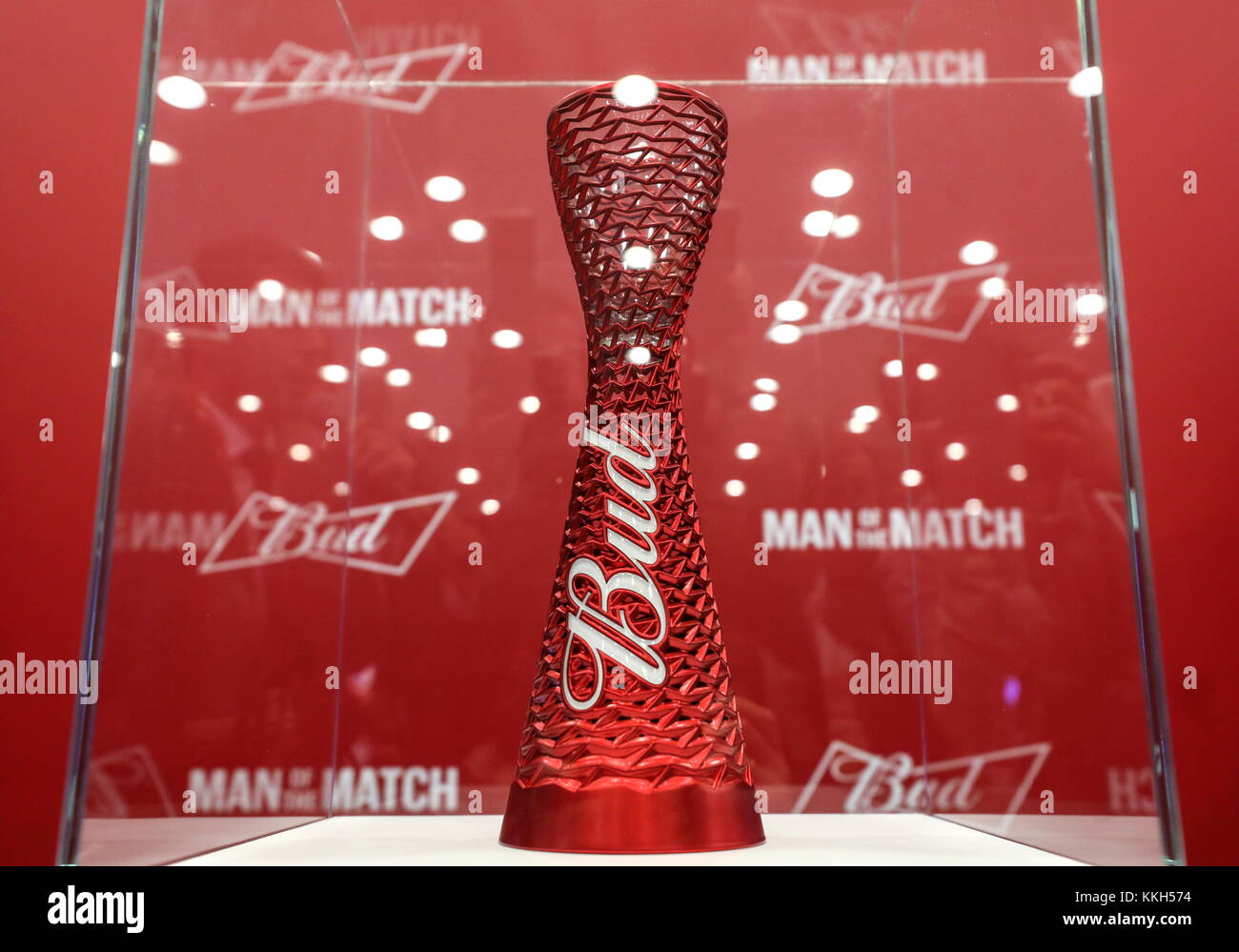 Simple Budweiser World Cup 2018 - moscow-russia-30th-nov-2017-the-man-of-the-match-trophy-unveiled-by-KKH574  2018_15664 .jpg