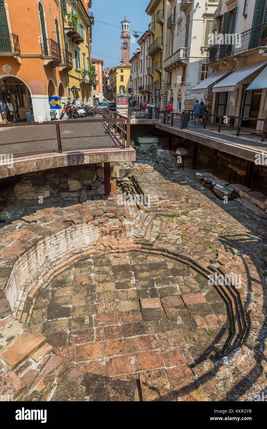 Porta leoni 1st century bc roman excavations verona veneto porta leoni 1st century bc roman excavations verona veneto italy europe publicscrutiny Images