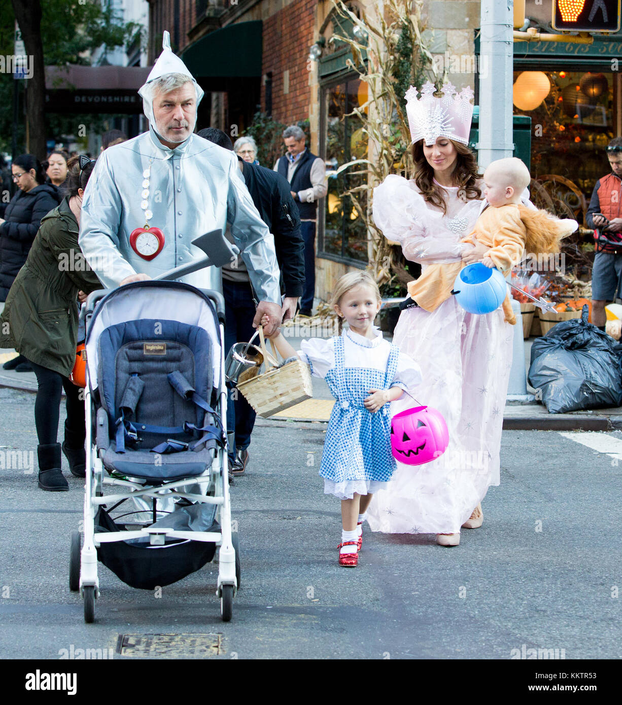 Alec Baldwin and family dress up in 'Wizard of Oz' costumes to go trick or treating  Featuring: Alec Baldwin, Hilaria Stock Photo