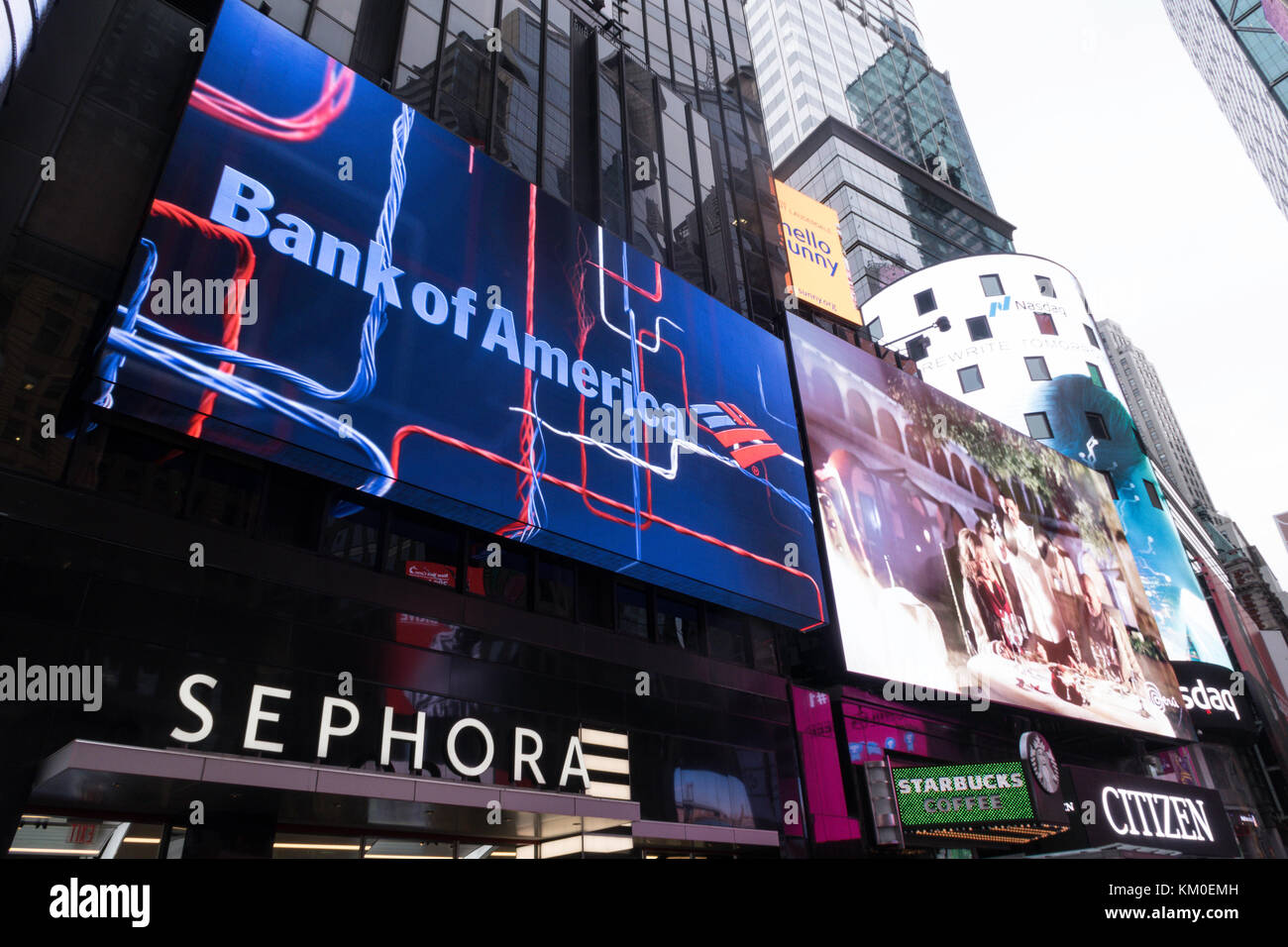 Lit Advertising Billboards in Times Square, NYC, USA - Stock Image