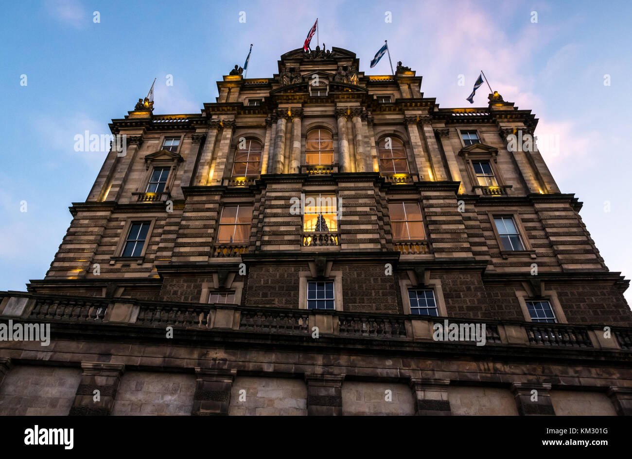 victorian-building-bank-of-scotland-head