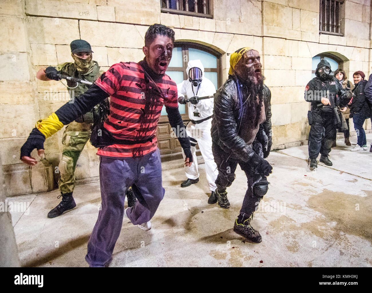 Aviles, Spain. 9th December, 2017. Zombies at the strret during the Survival Zombie on Decemberber 9, 2017 in Aviles, - Stock Image