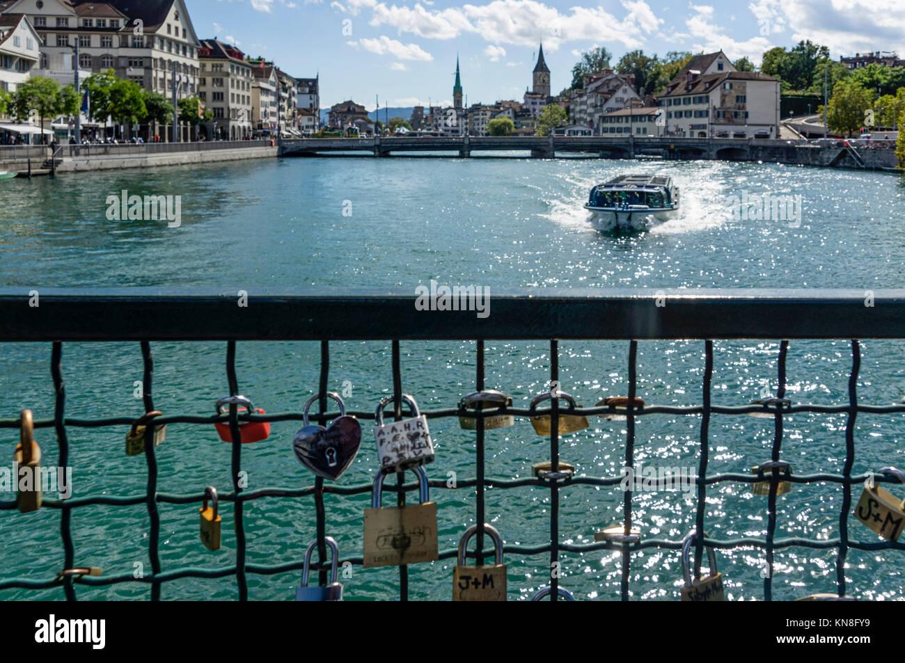 love lockers, river Limmat, Zurich, Switzerland - Stock Image