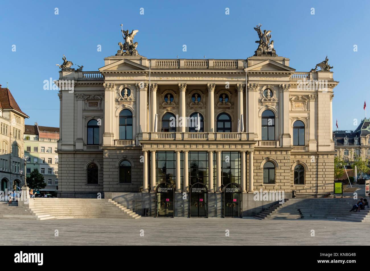 Opera House building, Sechselaeuten Square, Zurich, Switzerland - Stock Image