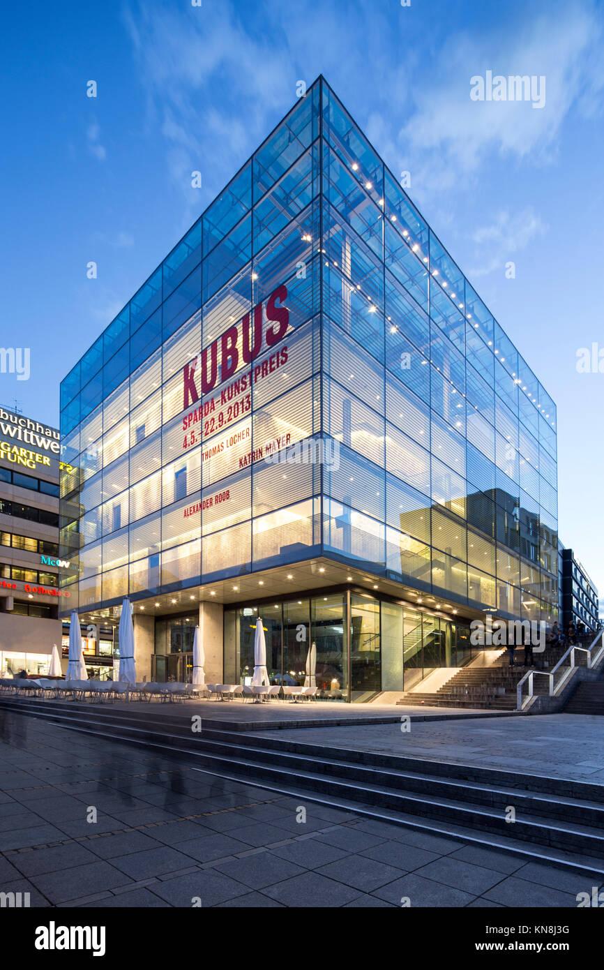 Kubus, Modern Art Museum, Hannover, Germany - Stock Image