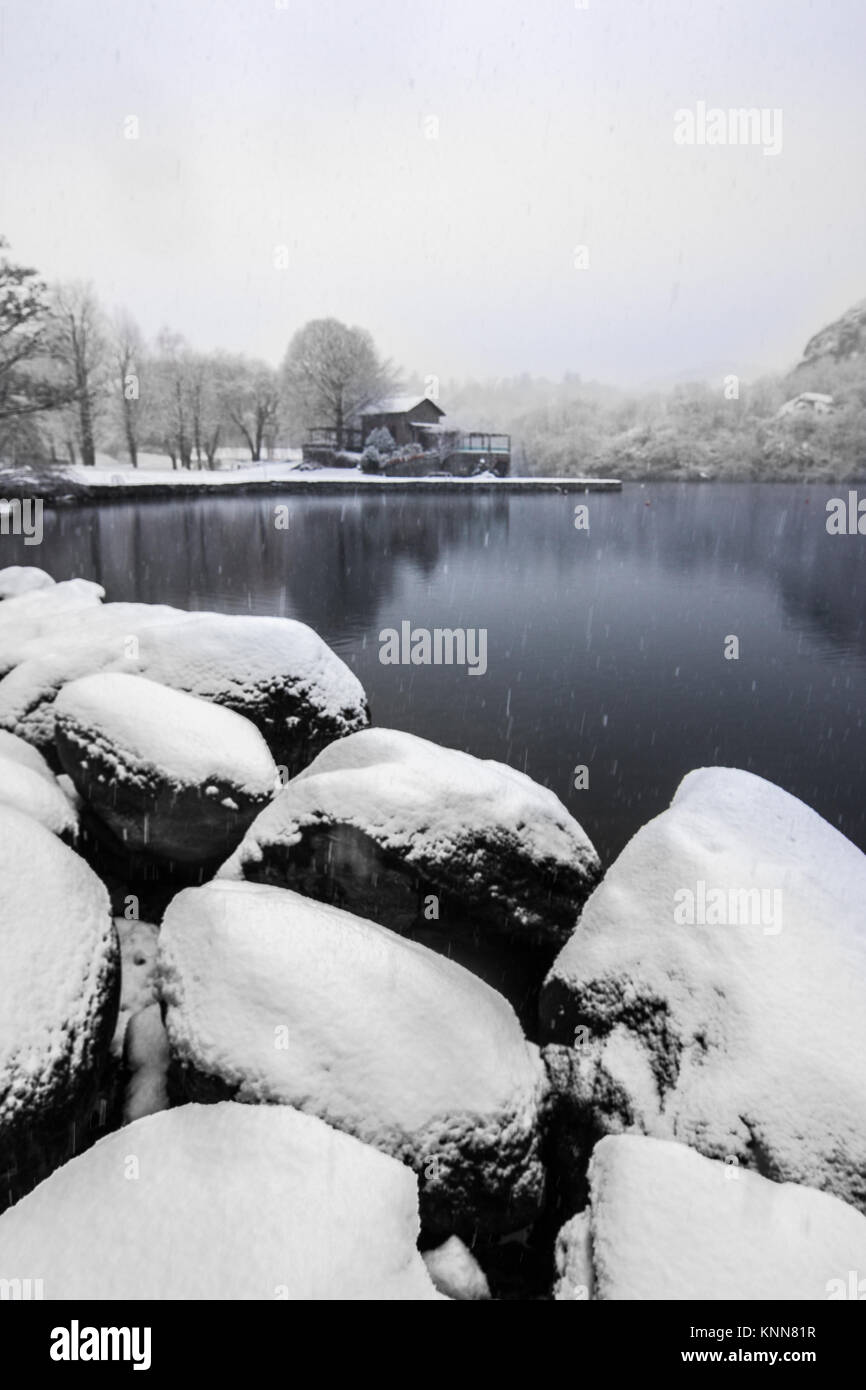 Snow y the lake Lago Sirio of Ivrea, province of Turin, in the Piemonte region of Italy - Stock Image