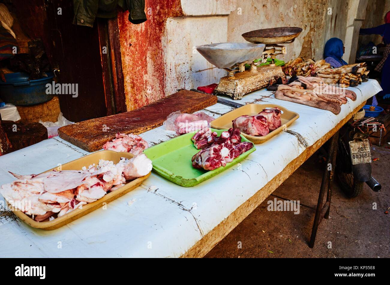 A traditional butcher´s shop in the medina of Meknes, Morocco - Stock Image