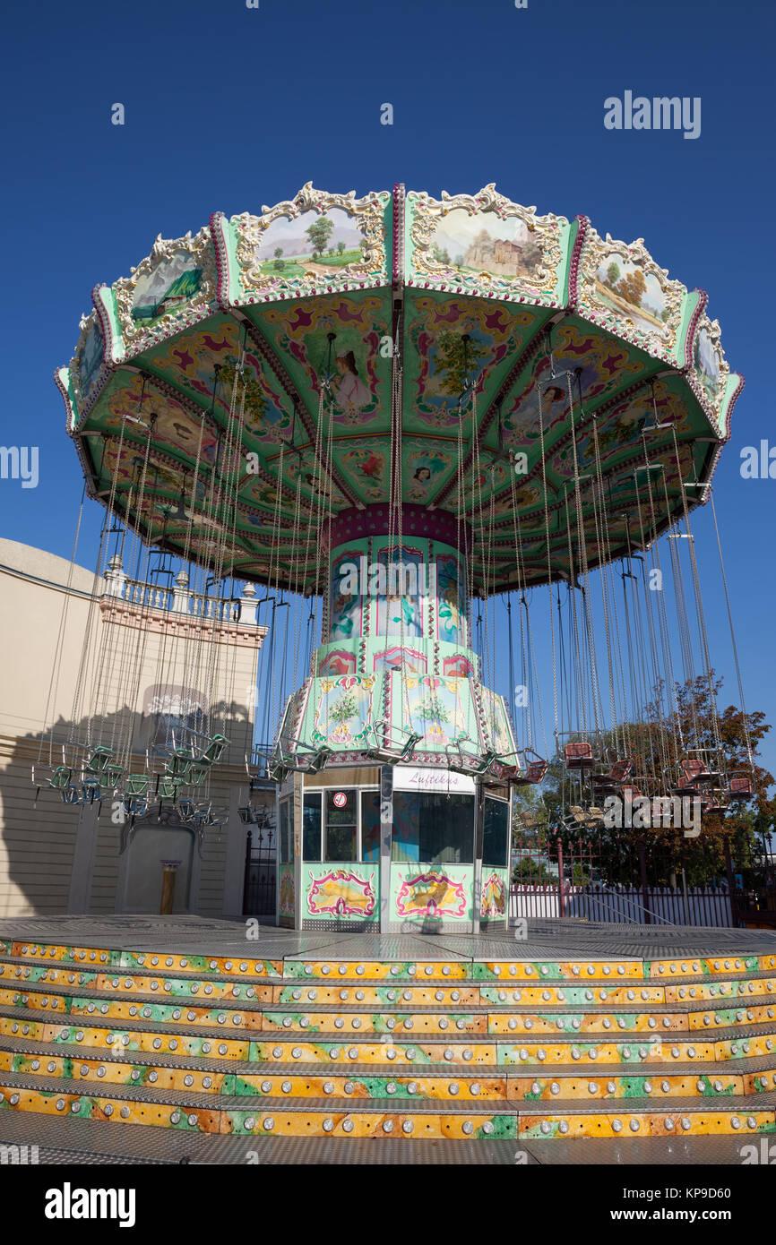 Kettenkarussell Luftikus nostalgic retro carousel in Prater amusement park in Vienna city, Austria, Europe - Stock Image