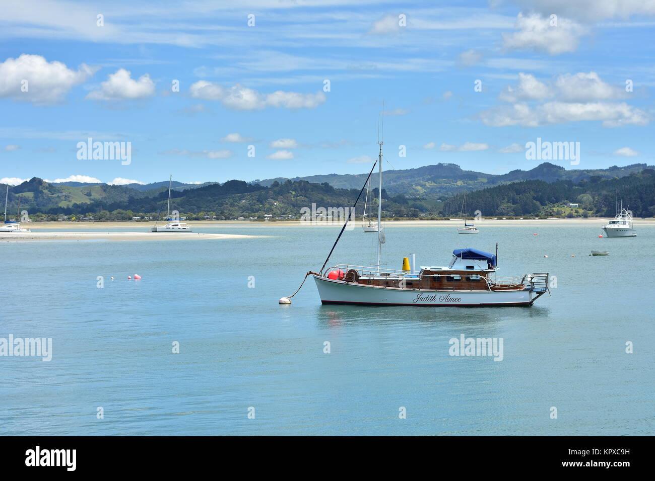 Yacht On Mooring Buoy In Stock Photos & Yacht On Mooring Buoy In Stock Images - Alamy