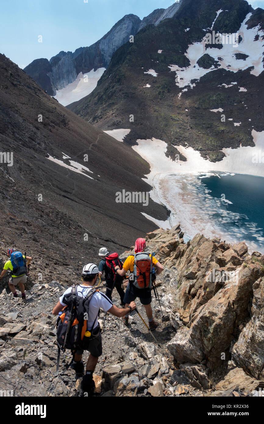 Trekkers at Collado del Inferno (Hell´s Pass).Pyrenees.Aragón.Spain - Stock Image
