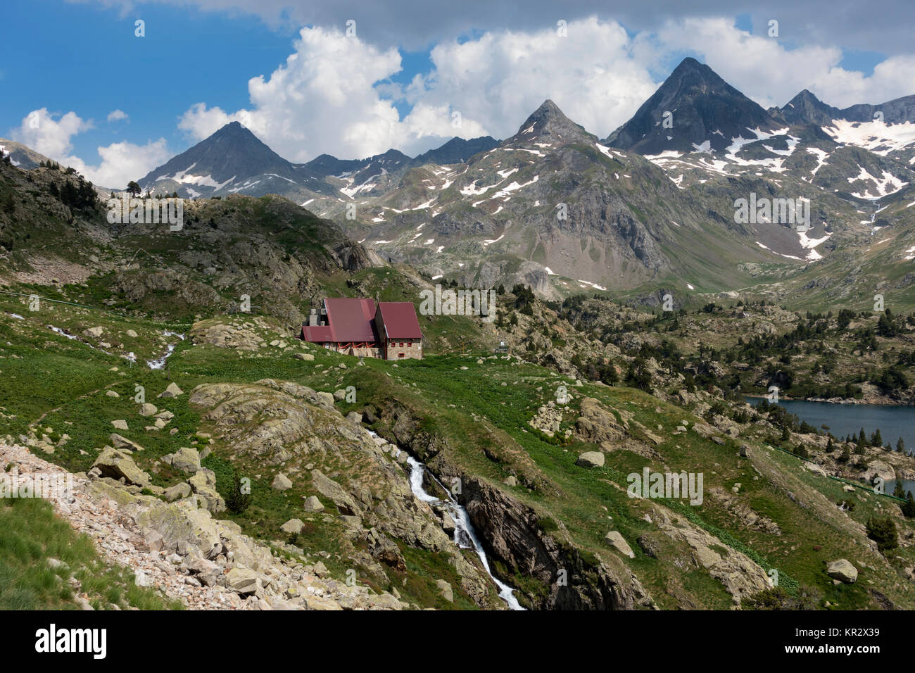 Respomuso mountain shelter (2200m).Piedrafita.Pyrenees.Aragon.Spain - Stock Image