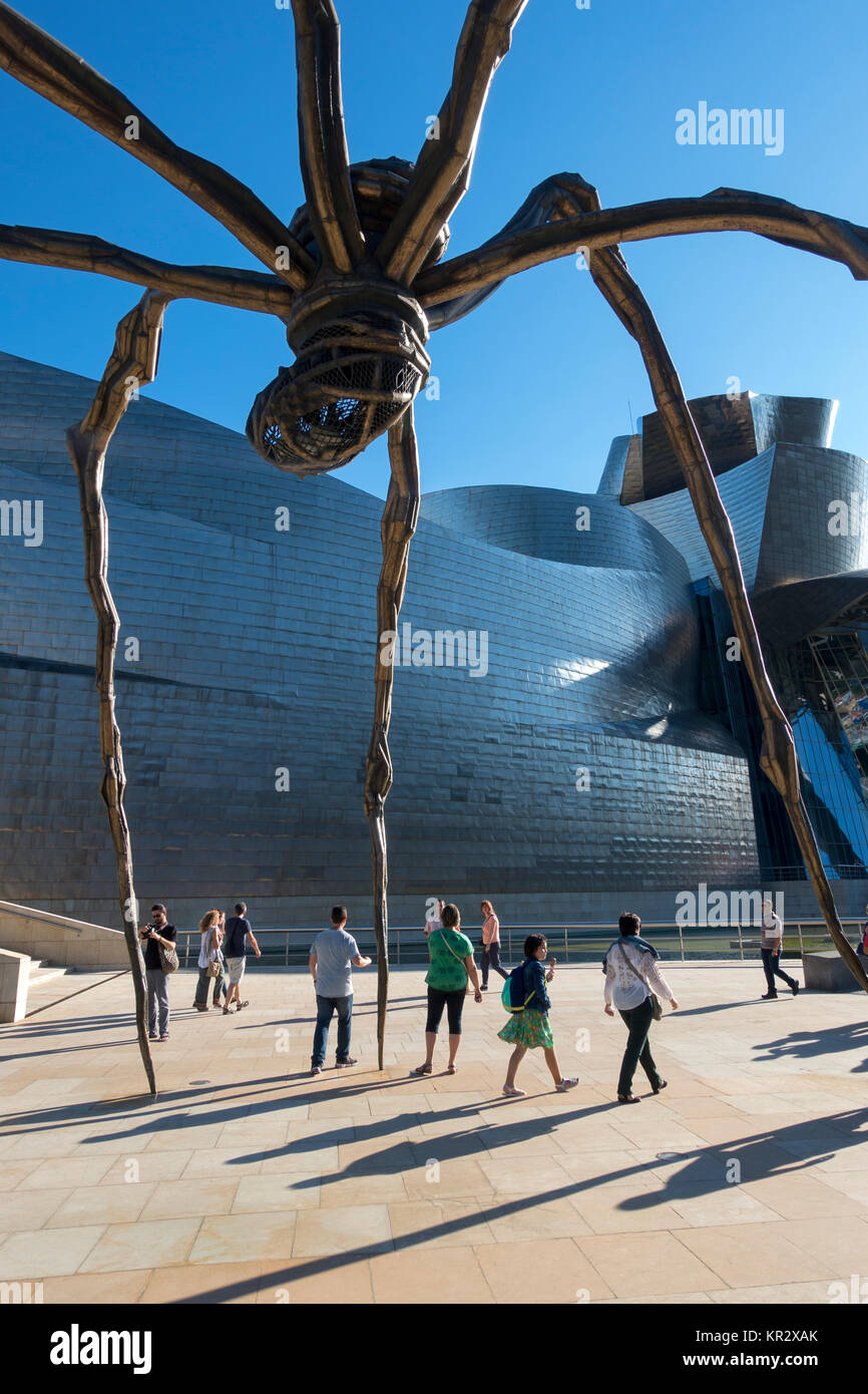Giant spider sculpture.Title: Maman (mother).Arrist: Louise Borgeois (1911-2010).Guggenheim Muserum.Bilbao.Spain - Stock Image