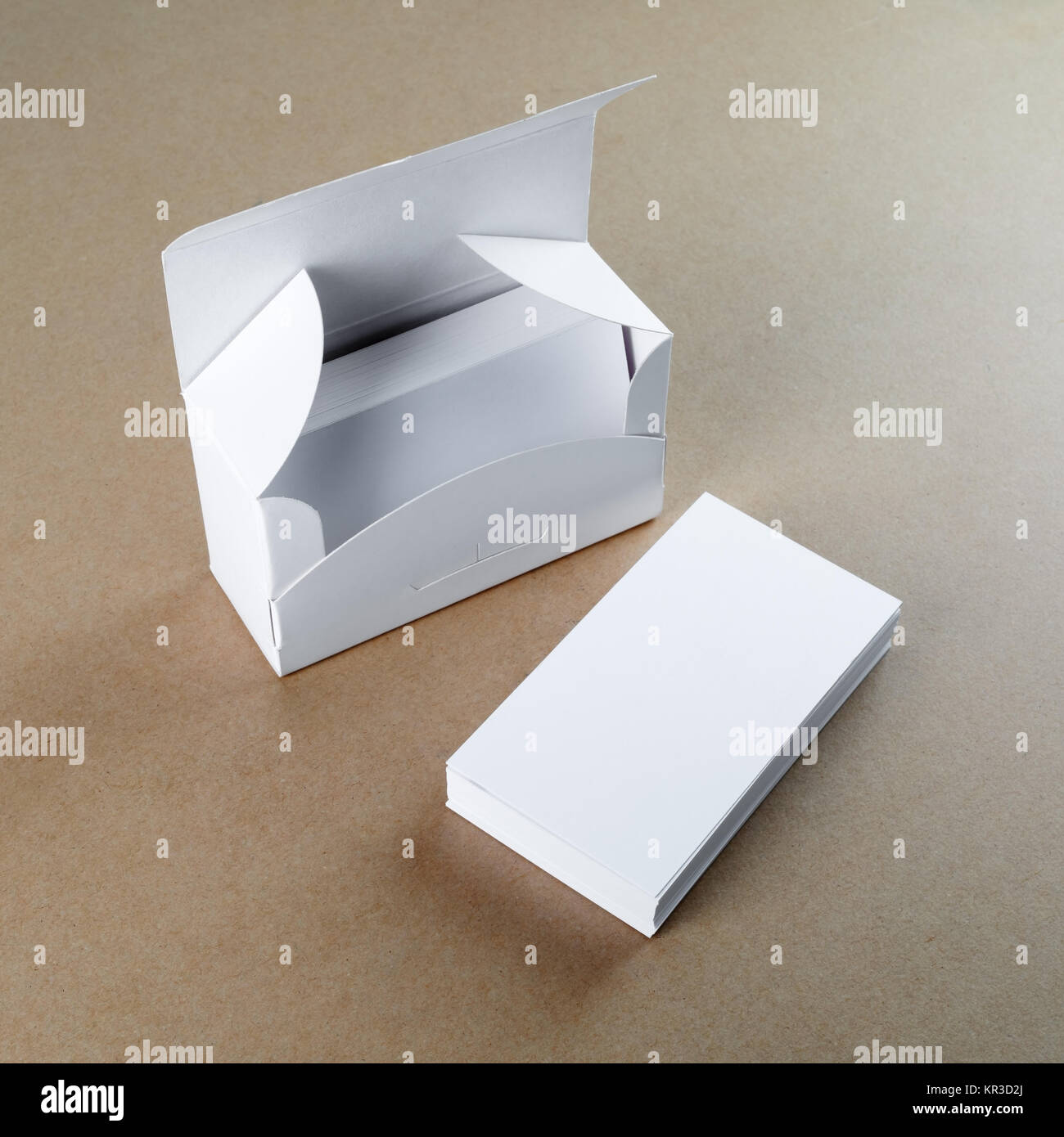 Box with blank business cards Stock Photo: 169106522 - Alamy