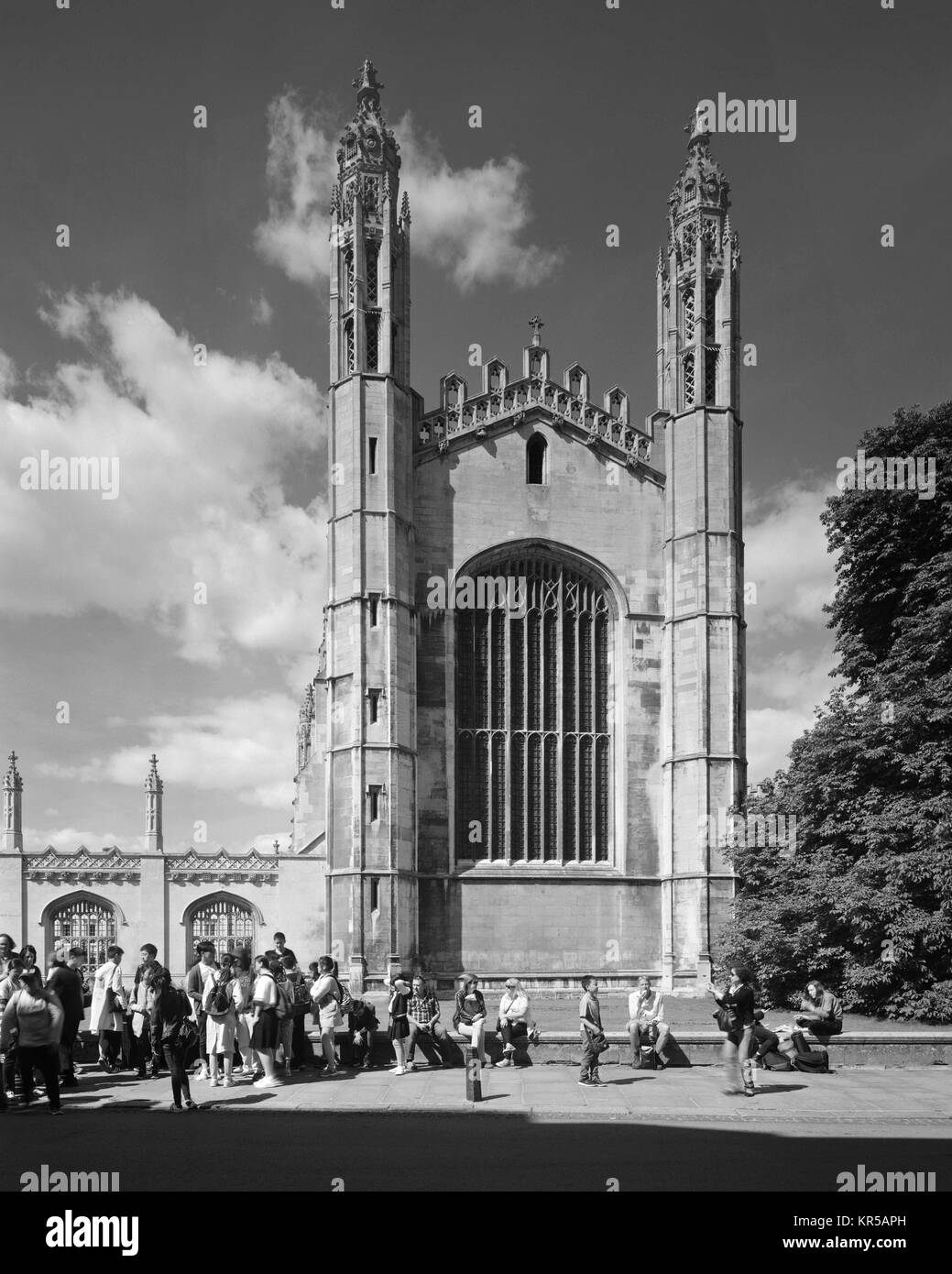 Visitors on King's Parade Cambridge in front of King's College Chapel - Stock Image