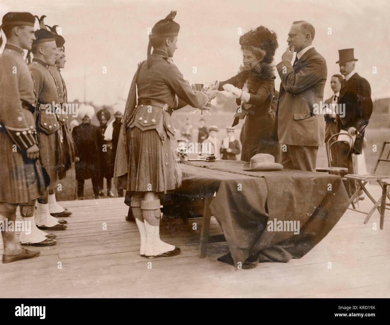 Lady Harriet Lindsay (nee Gordon) presenting the prizes at the London Scottish Sports at Stamford Bridge, Fulham, - Stock Image