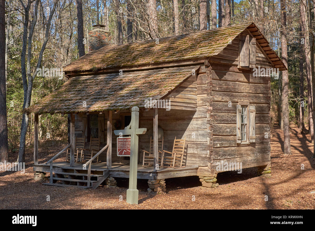 Vintage Pioneer Log Cabin Built In The 1830u0027s On Display In Calloway  Gardens, Pine Mountain