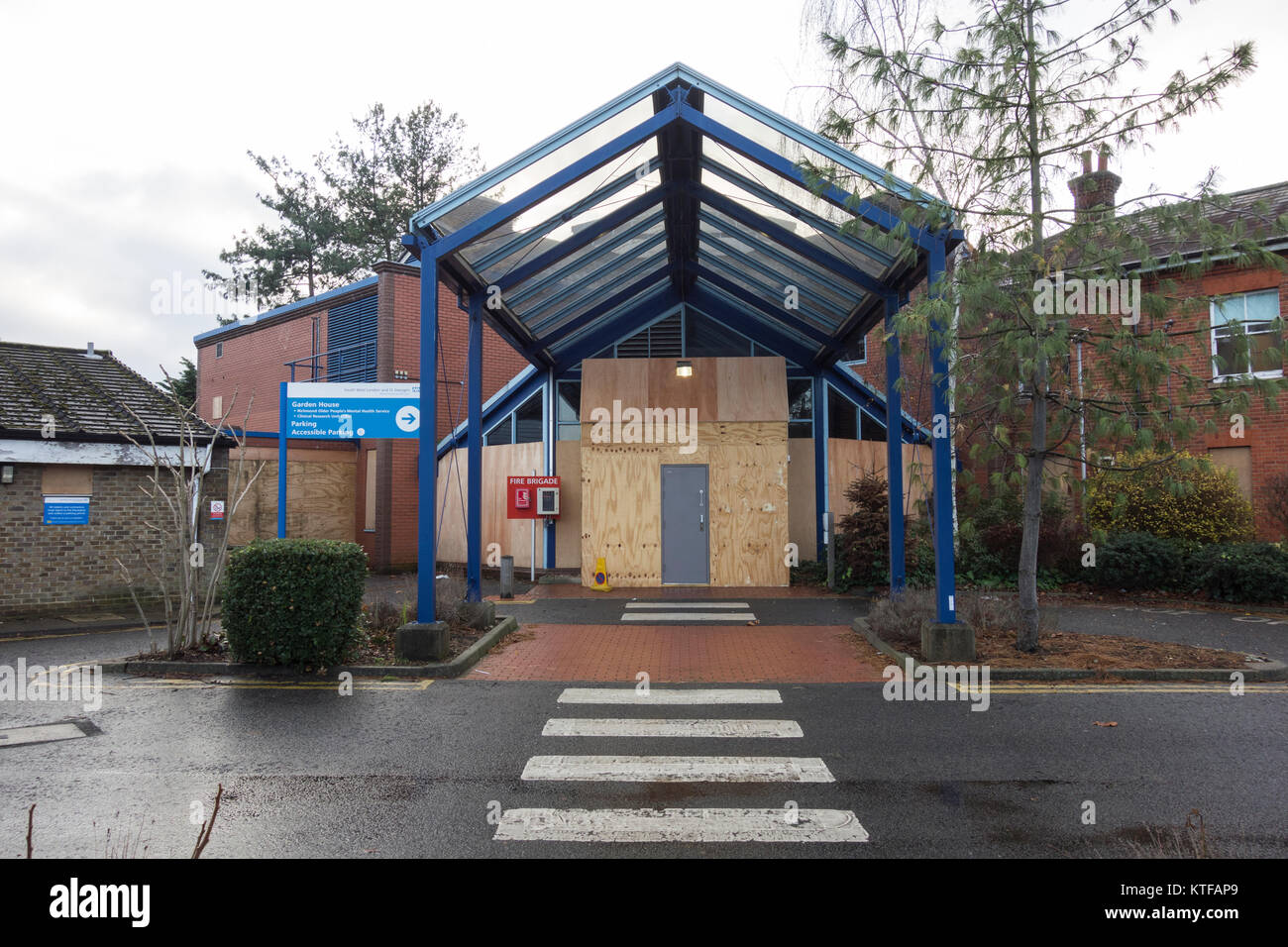 Barnes Hospital, South Worple Way, East Sheen, London Borough of Richmond upon Thames, UK Stock Photo