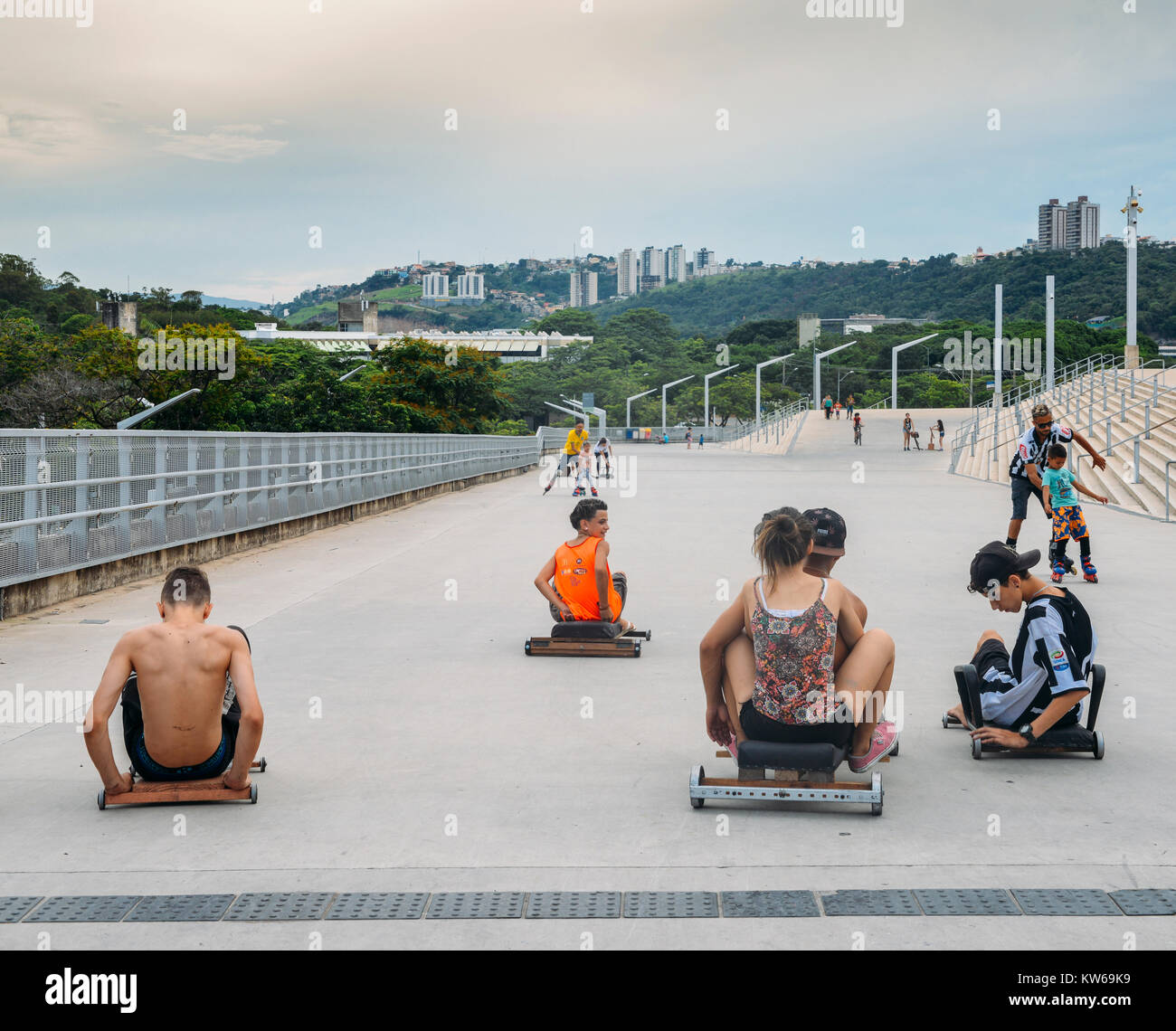 belo-horizonte-dec-26-2017-kids-soap-race-down-a-hill-near-the-mineirao-KW69K9.jpg