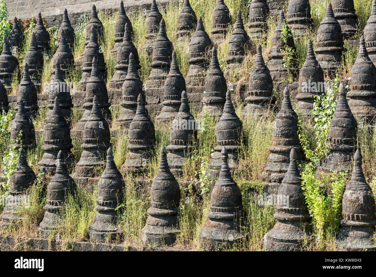 Koe Thaung (Kothaung) Pagoda, Mrauk U, Burma (Myanmar) Stock Photo