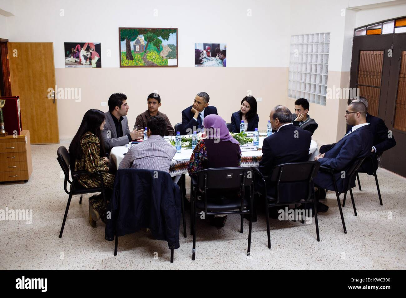 President Obama meets with Palestinian youth in Ramallah, the West Bank, March 21, 2013. (BSLOC_2015_13_156) - Stock Image