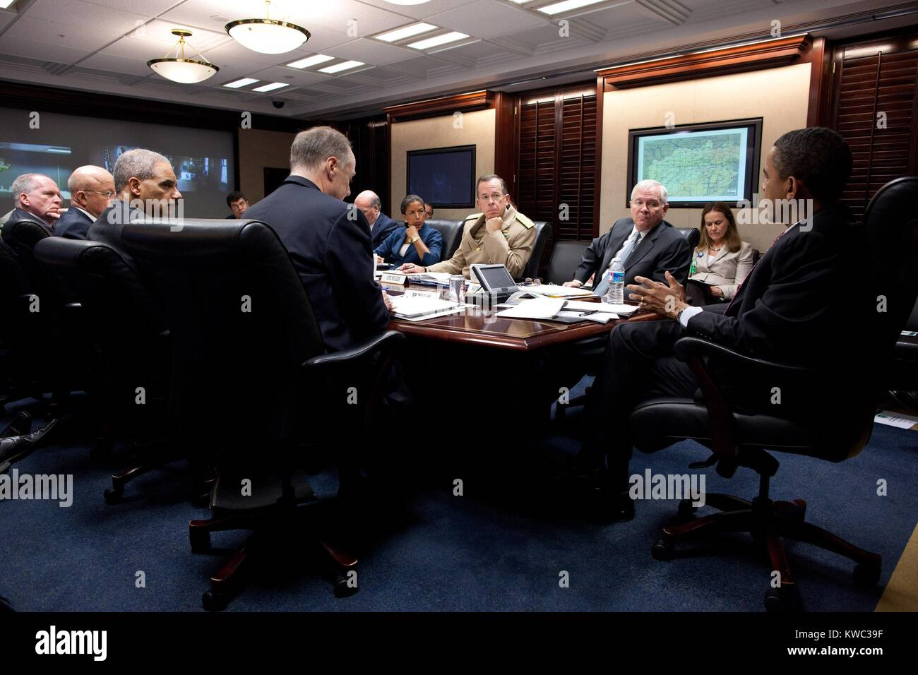President Obama meets with national security team on Afghanistan and Pakistan, April 25, 2011. Situation Room of - Stock Image