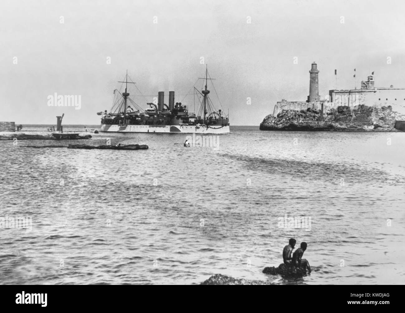 USS MAINE entering Havana Harbor in January 1898. She was sent to protect U.S. interests during the Cuban revolt - Stock Image
