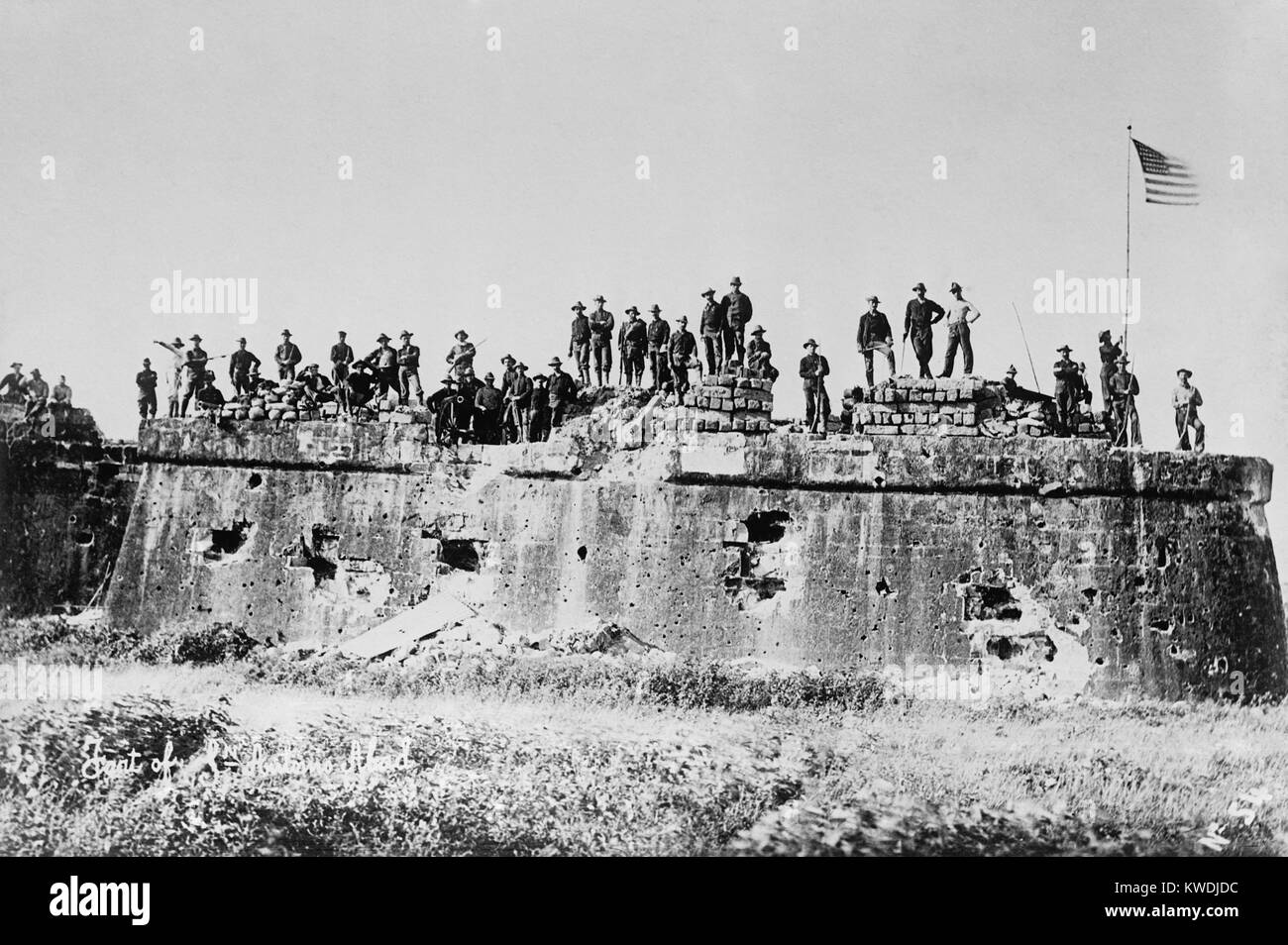 American troops after the flag raising Fort San Antonio de Abad, Malate, Manila, on August 13, 1898. US and Spanish - Stock Image