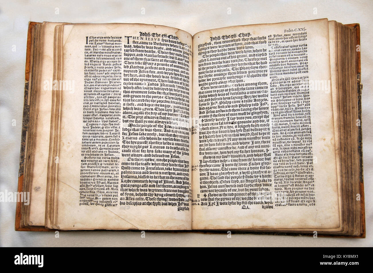 William Tyndale's 1538 edition of the English New Testament, which showed the English text and Erasmus' - Stock Image