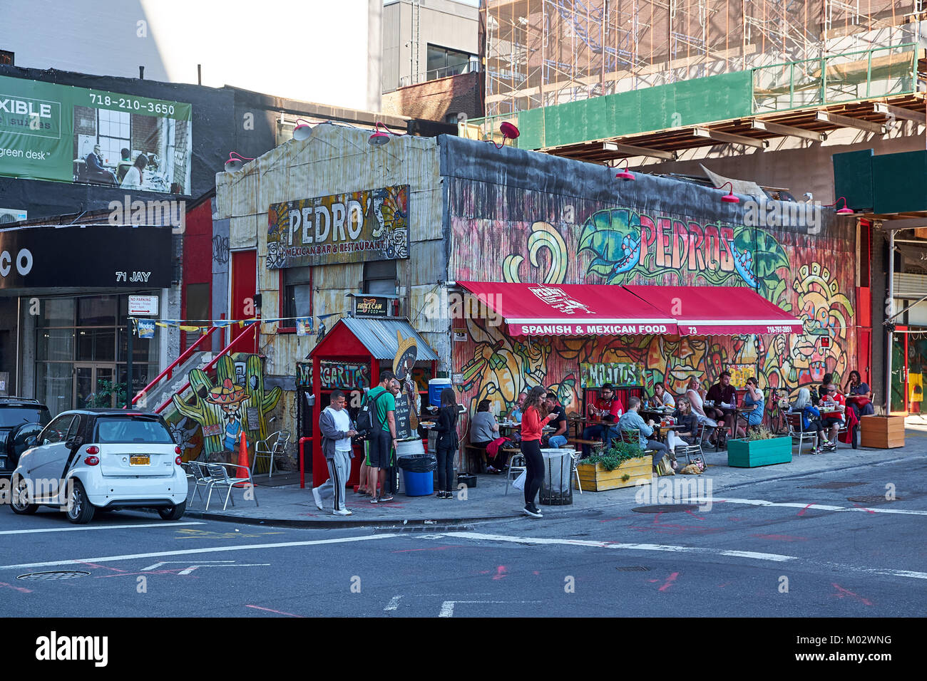 NEW YORK CITY - SEPTEMBER 25, 2016: Pedro's spanish and mexican food on the corner of Front and Jay Street - Stock Image