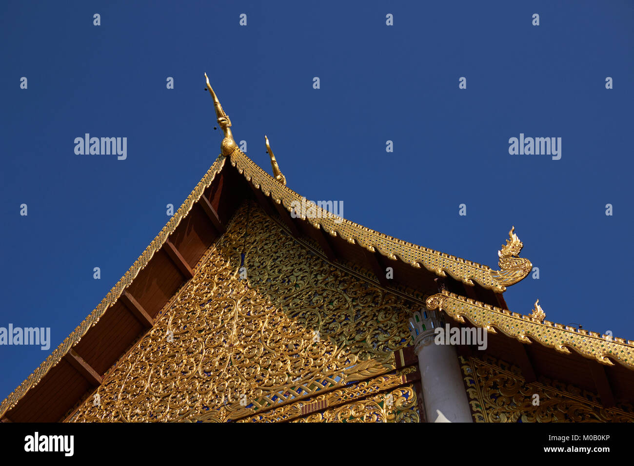 Wat Chedi Luang temple and grounds, Chiang Mai, Thailand - Stock Image