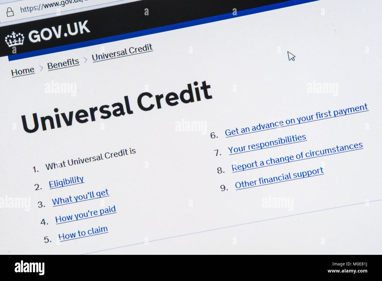 Computer screenshot of information about universal credit on gov.uk website in 2018 Stock Photo