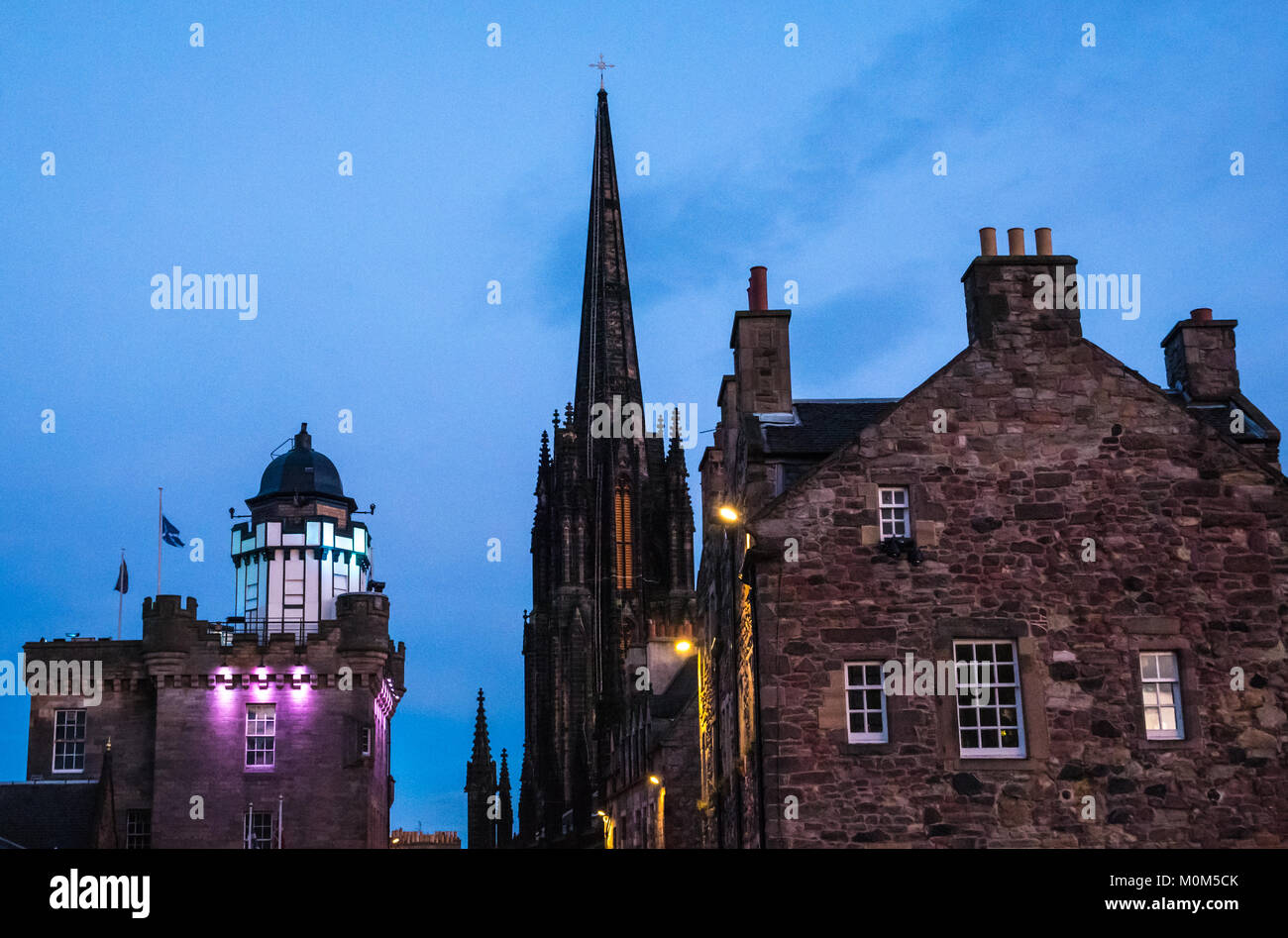 top-of-royal-mile-castlehill-edinburgh-s