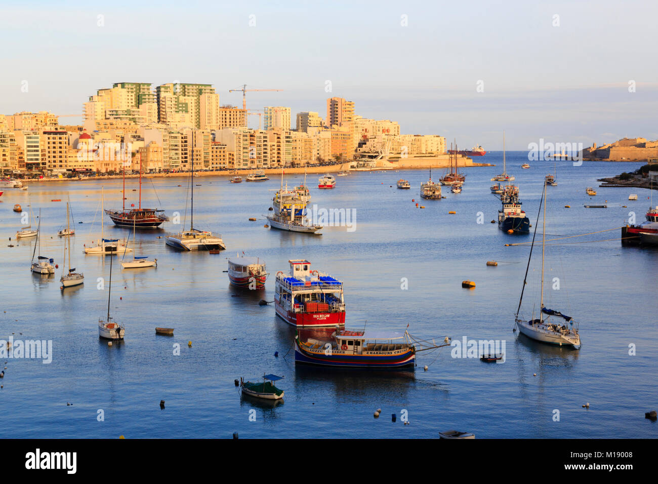 boats-moored-in-sliema-creek-valletta-ma