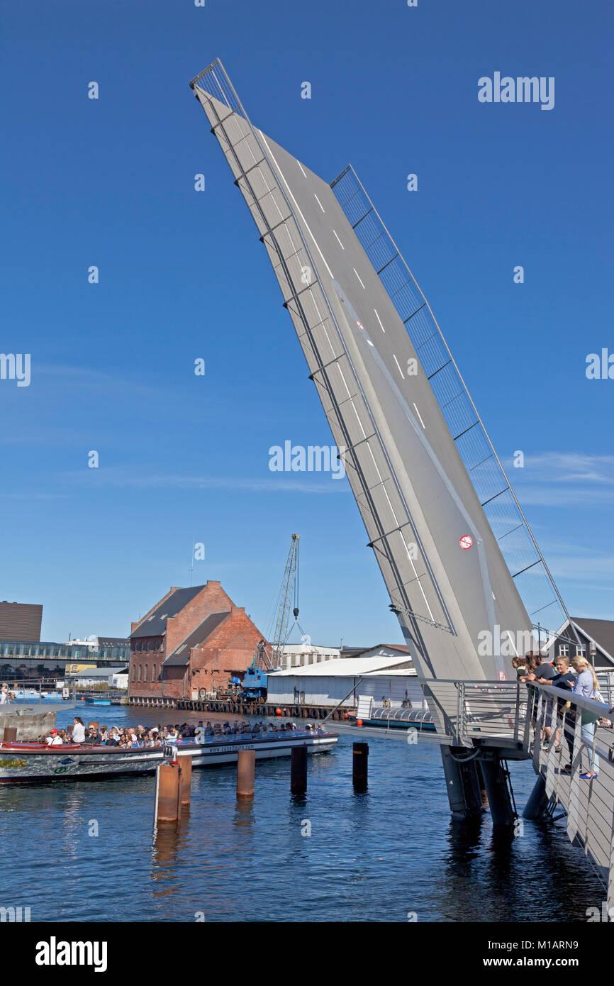 The Trangrav Bridge,Trangravsbroen, a Butterfly 3-Way cyclist and pedestrian bridge across Christianshavn Canal - Stock Image