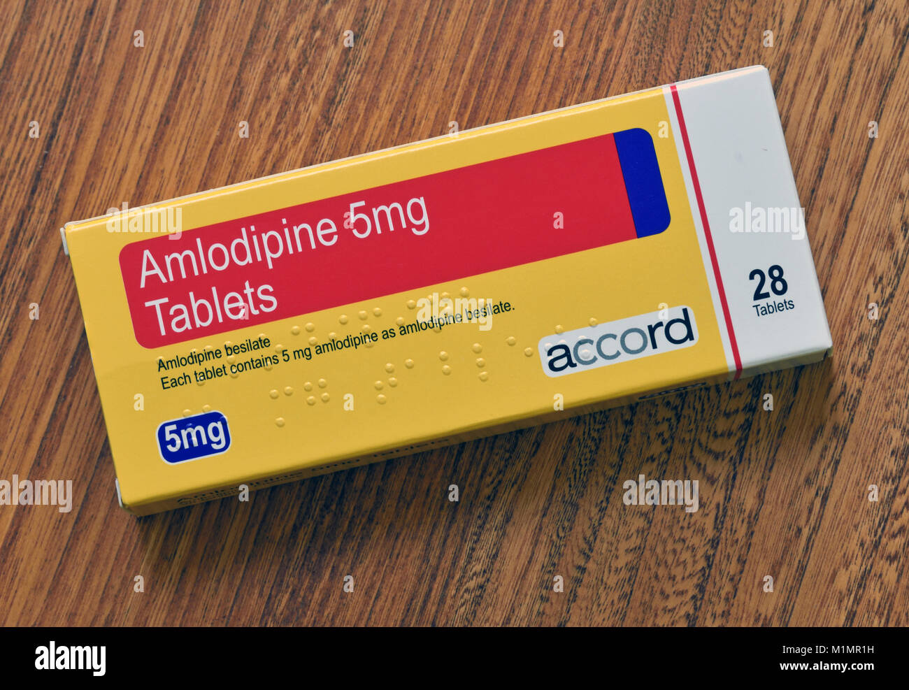 pack-of-amlodipine-5mg-tablets-28-tablets-amlodipine-besilate-each-M1MR1H.jpg