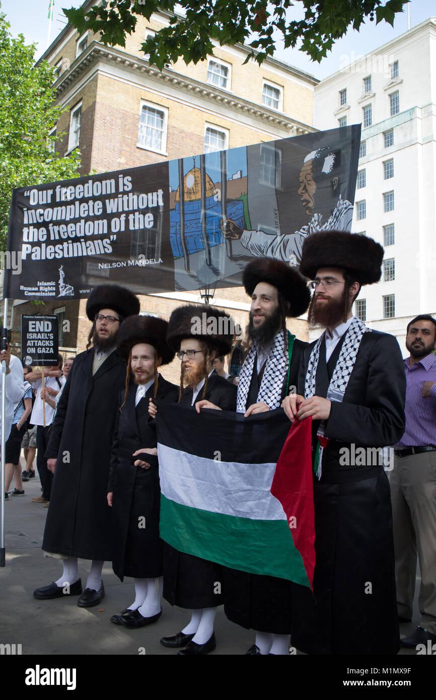 Free Gaza Demo - Jewish supporters - Stock Image