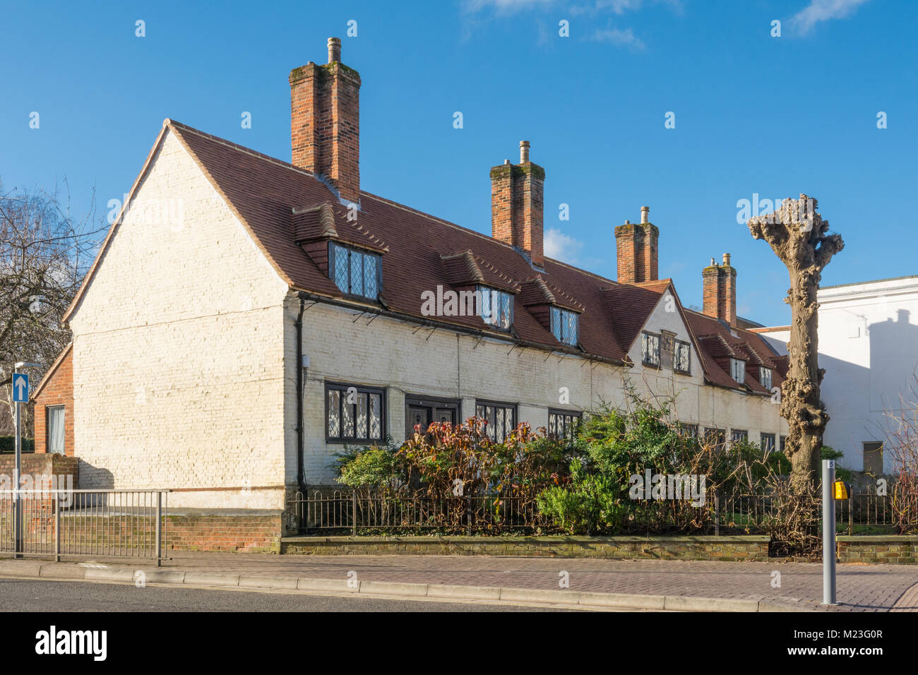 deanes-almshouses-in-basingstoke-hampshire-uk-M23G0R.jpg