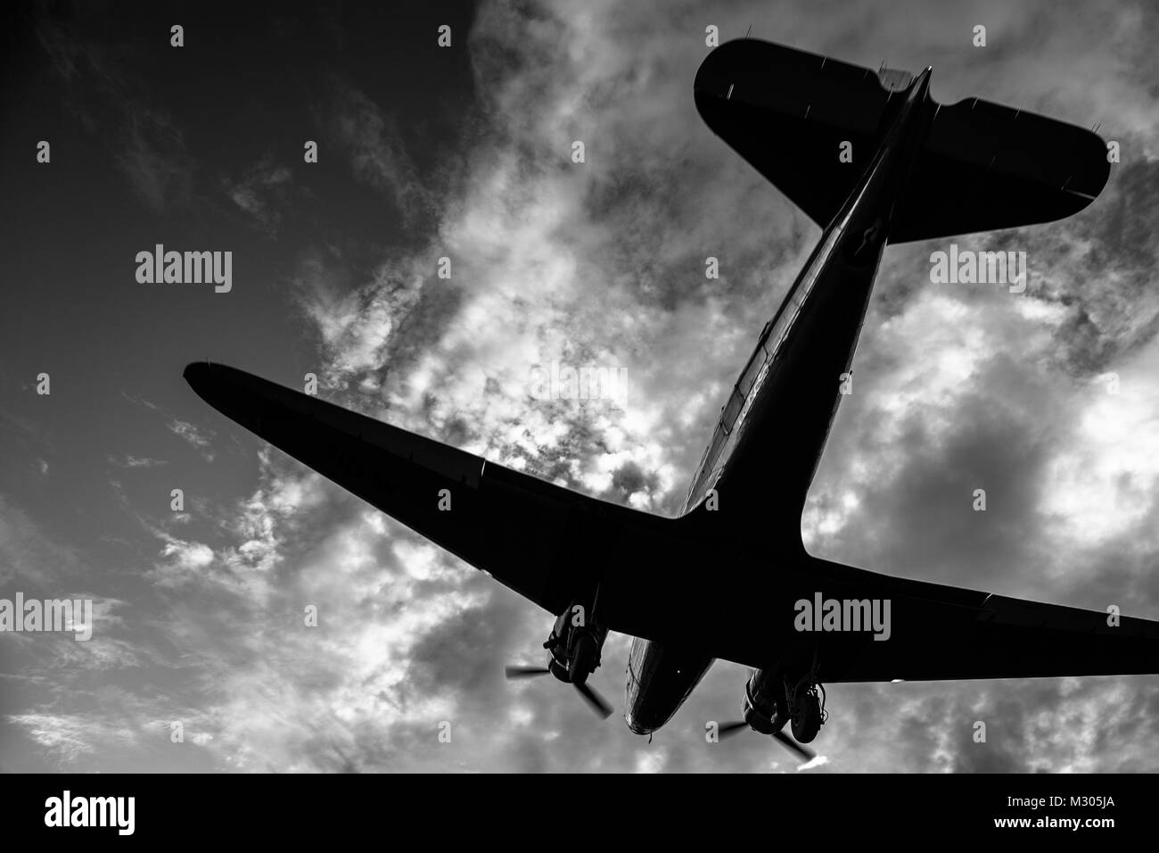 A Douglas DC-3 aircraft is seen landing near the airport of Villavicencio, Colombia. - Stock Image